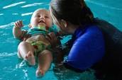 mi familia y yo aprendimos a nadar