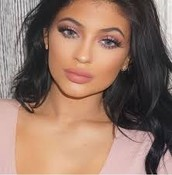 Kylie Jenner make-up