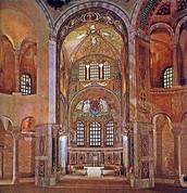 L'interior de la Església de Sant Vitral de Ravena.