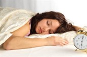 """Me duermo en mi cuarto."""