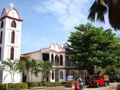 Iglesia y Centro de la ciudad