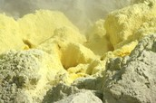 sulfur in natural state.