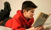 הקריאה משפרת את אוצר המילים ומעשירה את השפה