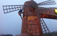 Bozo climbing up windmill