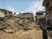 「地震發生時,感覺就像火山爆發一樣,我們村莊幾乎90%的房子都被毀了。」