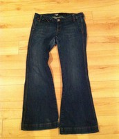 82. Guido & Mary Jeans, Size 30