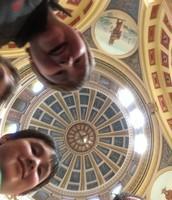 Capitol photobomb