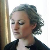 Liana Moore - Younique Presenter