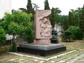 Памятник медикам-защитникам Севастополя