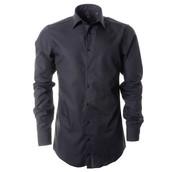 Une chemise noire