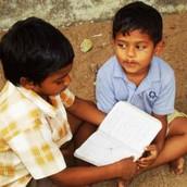 La educación favorece el desarrollo del niño.