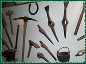 The tools used in gold minings