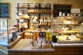 Dans le restaurant, On achete des baaguette. Tu est vu ils fait le pain.