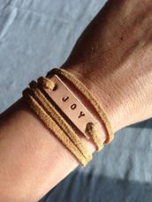 Create a customized aromatherapy bracelet & get empowered with essential oils!