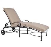 Classico Chaise Lounge