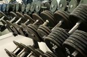 Debes levantar pesas.
