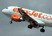 How do EasyJet keep their costs low?