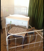 $275 - Vintage Iron Bed