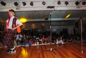 Festa de Natal 2014 e atribuição de 300 presentes a crianças do Bairro