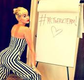 "Miley ""twerking"""