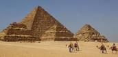 אז מי באמת בנה את הפירמידות ?