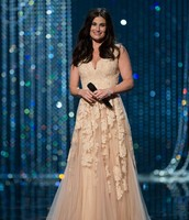 Idina Menzel preforming Let it Go at oscar's