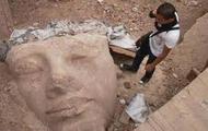 The Piece of the Fallen Abu Simbel