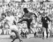 Pele against goalkeeper