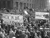 May Day 1930 brings a huge turn-out of pro-communist Berliners expressing admiration of Soviet Russia.
