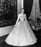 Eva wearing Christian Dior