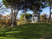3.Parque  El Capricho