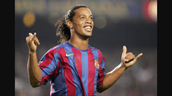 ronaldinho love play football