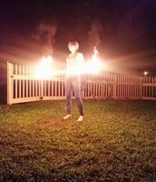 Me gusta hacer el aro ula ula en llamas.