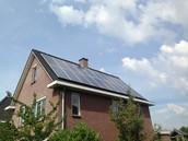 Nu investeren in zonnepanelen is direct besparen op uw energiekosten.