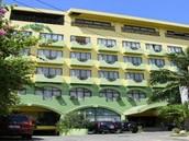 Mango Park Hotel - Php4015 per person