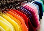 El mercado vender el mejor ropa.