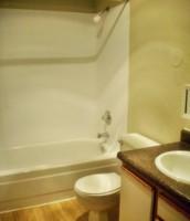 BEAUTIFULLY DESIGNED BATHROOM!!