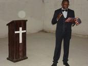 Na Igreja Glory House Brasil