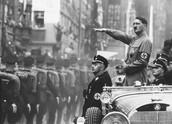 היטלר באמצע הצעדה שלו