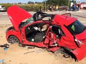 שני נערות בנות 18נהרגו בתאונת דרכים שמכוניתן התנגשה במשאית בתאריך 4.12.15