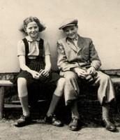 George and Hana Bradey as kids