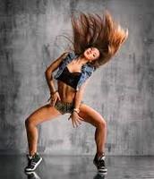 Dancing^