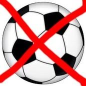 No nos gustan jugar el fútbol.