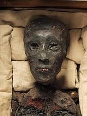 King Tut's rotted skin