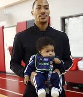 Derrick rose has a kid !