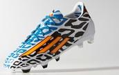 נעלי הכדורגל