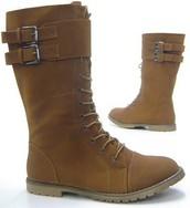 Me gustaría unas botas Schuh-City - Botas para mujer. Las botas son marrones y cuestan veintiuno euros