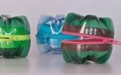 שימוש בתחתיות בקבוקי פלסטיק ליצירת ארנקים