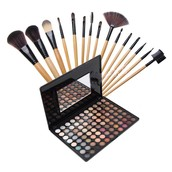 Plan your party look with this make-up and brush set!