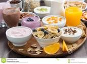 Yoghurt with fruit or crusly